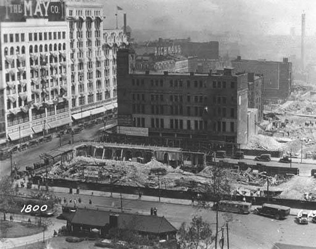 Excavation for the Union Terminal on the southwest corner of Public Square,1924 - Cleveland Memory Project