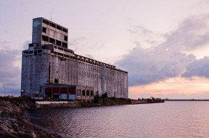 Cargill Pool Grain Elevator in Buffalo. Wikimedia Commons, Yatpay.