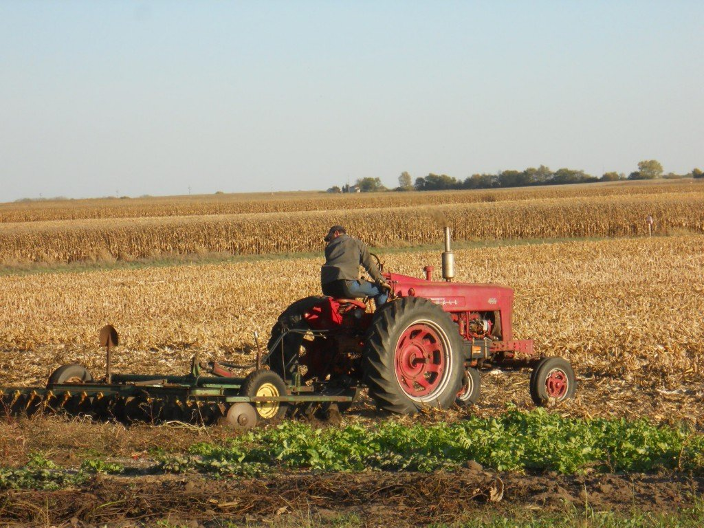 very old tractor 1