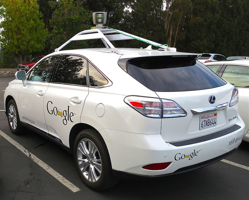 Google's_Lexus_RX_450h_Self-Driving_Car