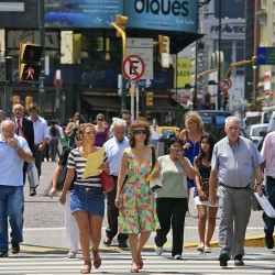 Walking and Thinking: Technology and the New Navigation of Everyday Space
