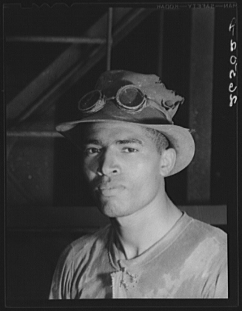 Arthur Rothstein, Steel worker in Pittsburgh steel mill, 1938.