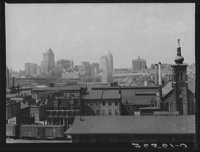 Arthur Rothstein, View of the city from Homestead, 1938.