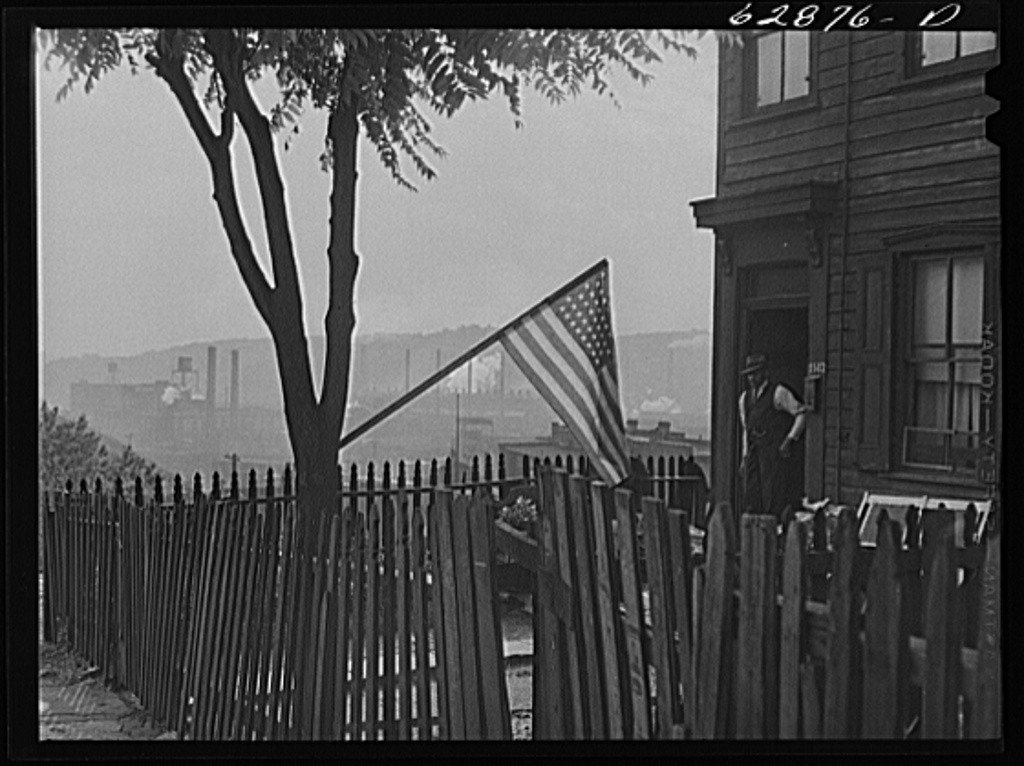 John Vachon, Flag Day, Pittsburgh. 1941.