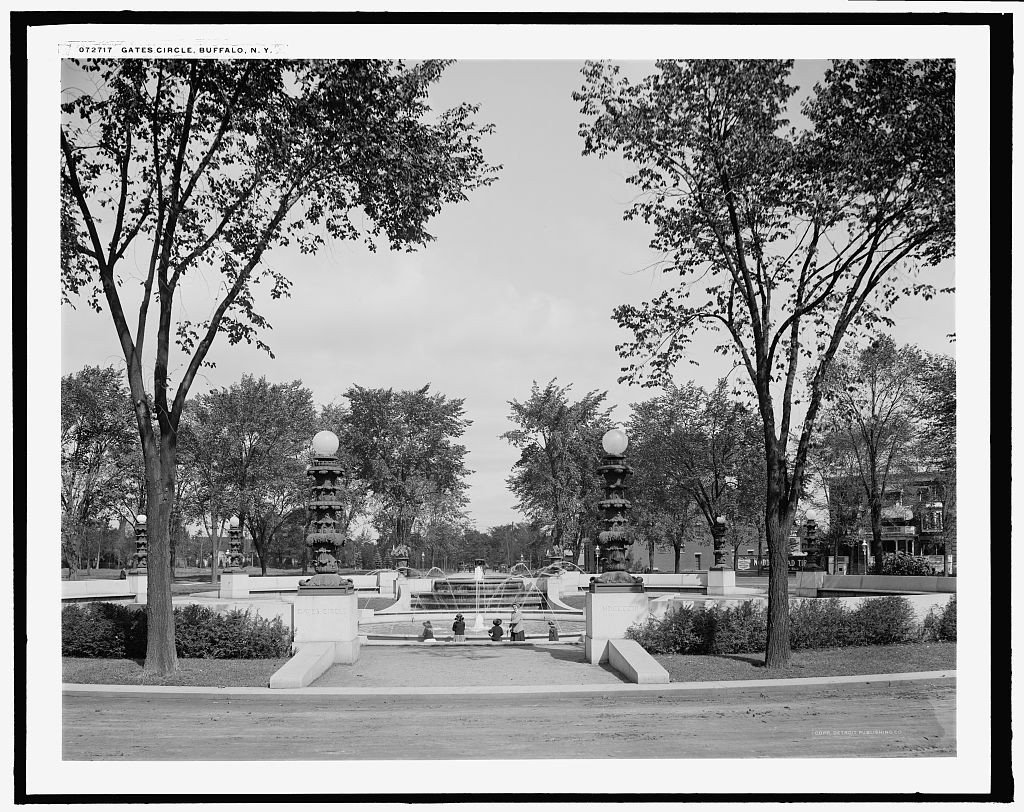 Gates Circle, Buffalo, N.Y. 1910 [courtesy of Detroit Publishing Co., via Library of Congress]
