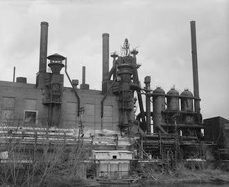Steel mills, Youngstown, Mahoning County, OH. [credit: Jay Williams, via Wikimedia Commons