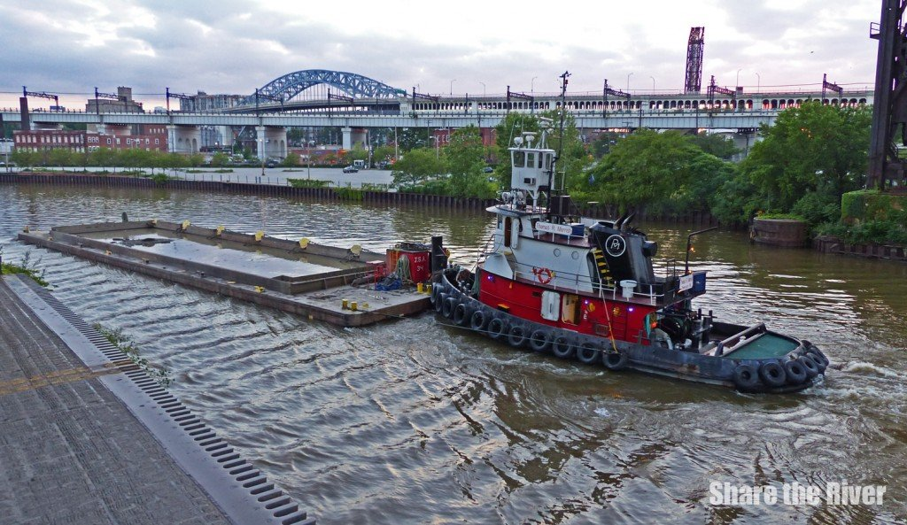 Tug_Cuyahoga River dredging_1020768