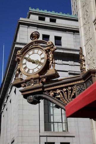 Kauffmann's clock [credit: David Brossard (https://www.flickr.com/photos/string_bass_dave)