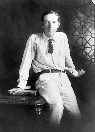 Upton Sinclair [courtesy of New York World-Telegram and the Sun Newspaper Photograph Collection.]