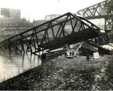 The Central Viaduct Bridge being dismantled (Filkins, 1942).