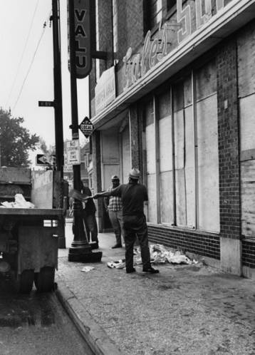 Gales Super Valu market, after windows were smashed by looters. Photo: Cleveland State University, Michael Schwartz Library, Cleveland Press Collection.