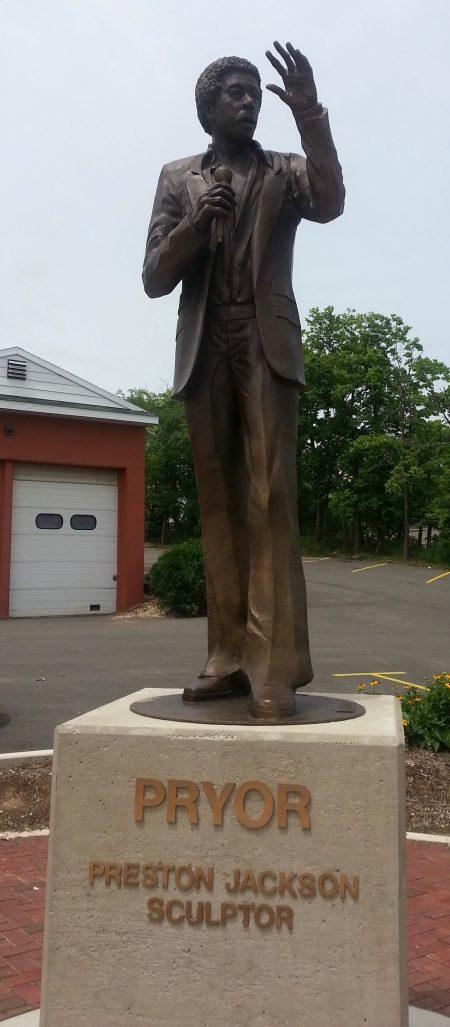 richard-pryor-statue