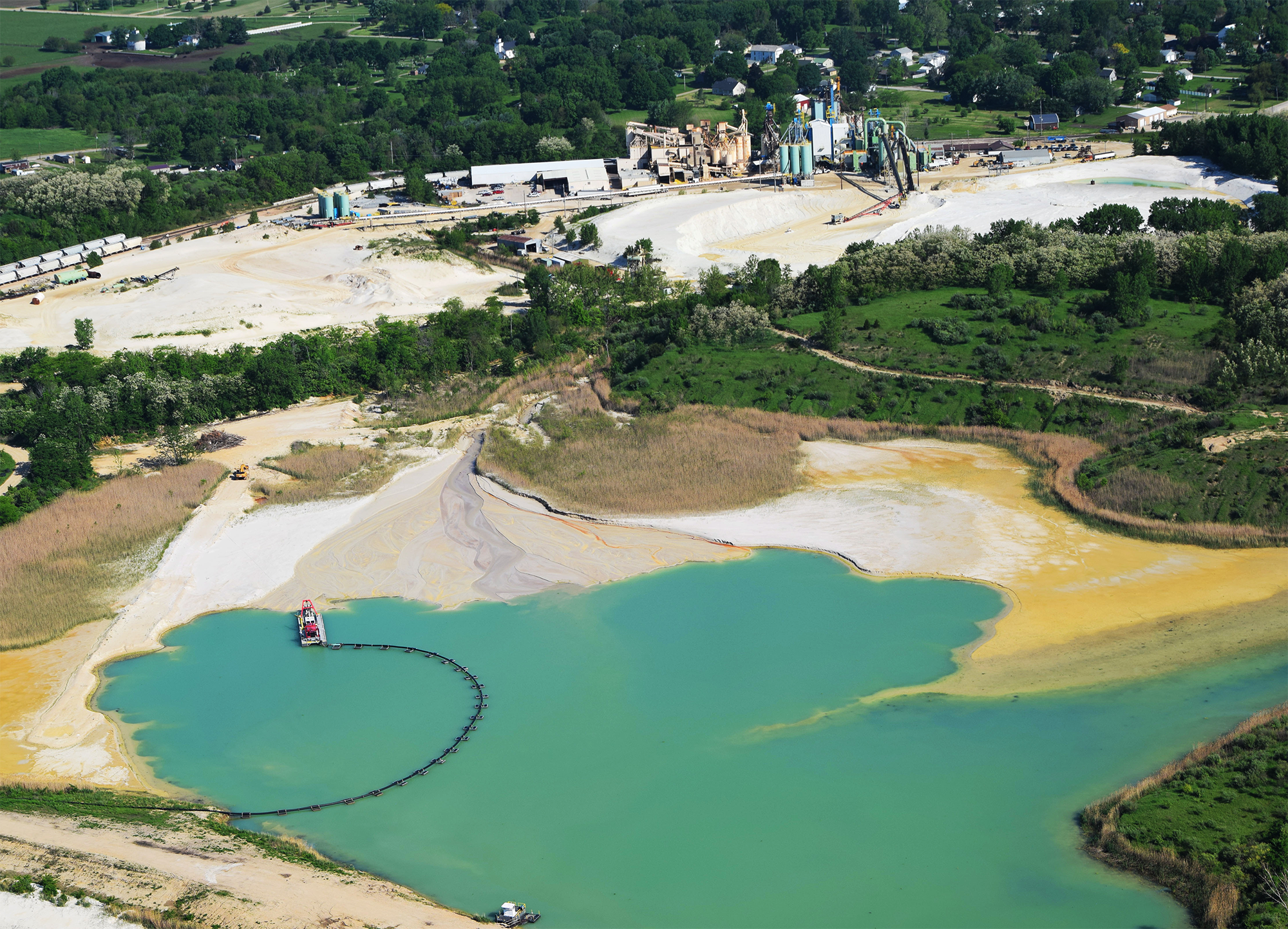 Manley Brothers frac sand mine and processing site. Troy Grove, IL.
