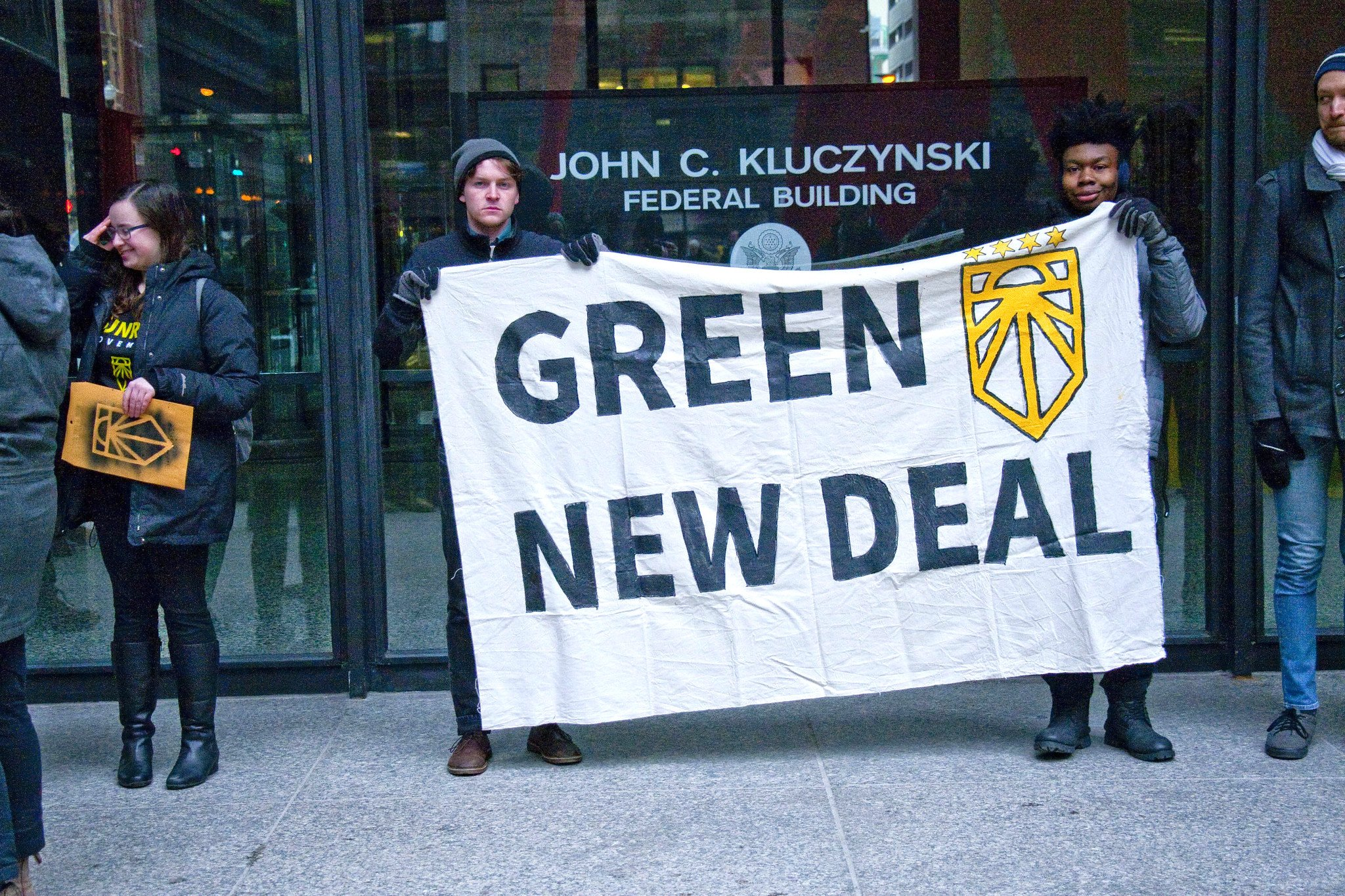 Tying the Green New Deal to Environmental Justice in Chicago